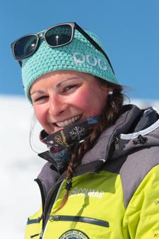Ski instructor Prosneige Val Thorens Clara Brimmer