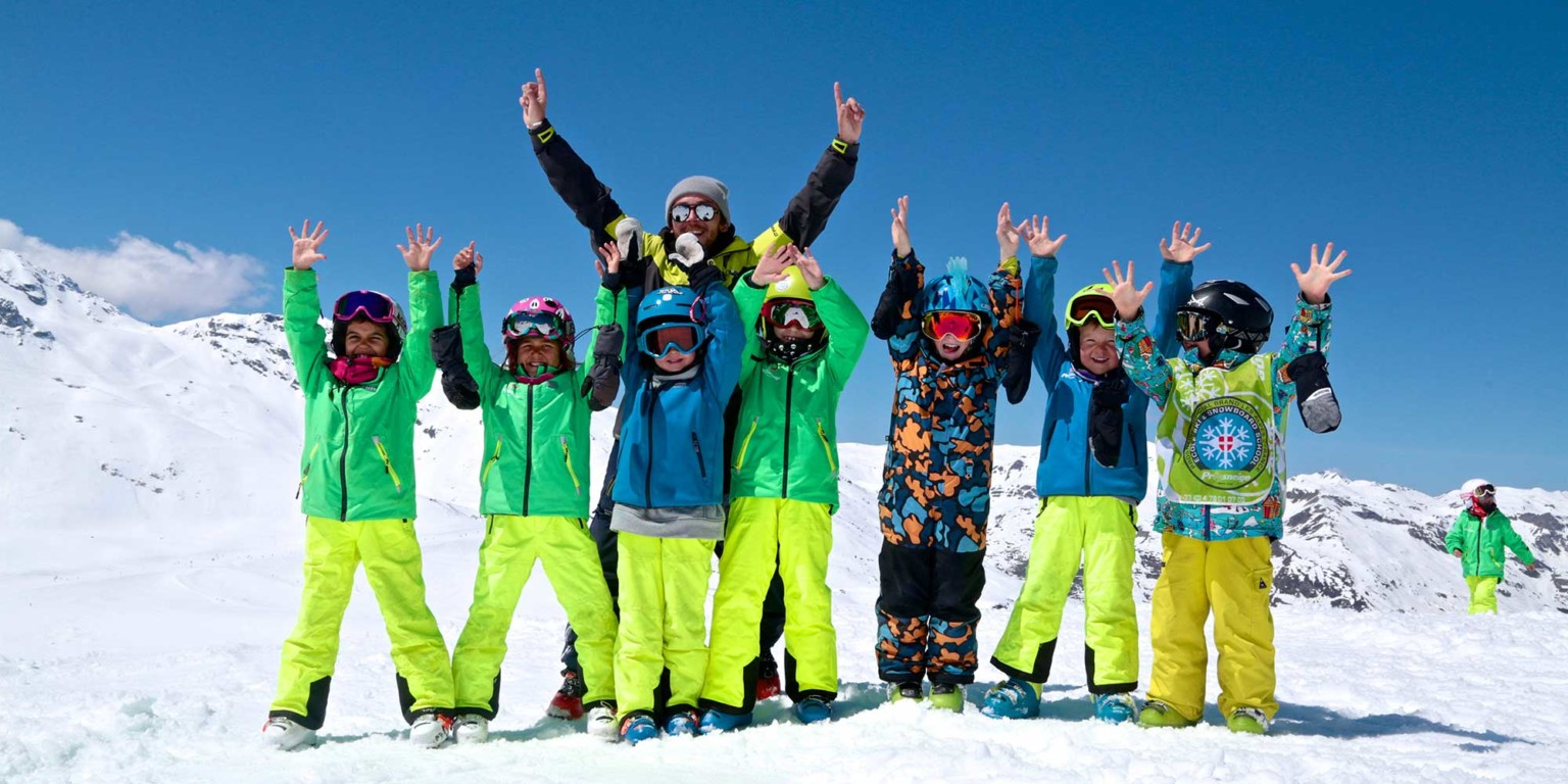 ski lessons in small groups of children